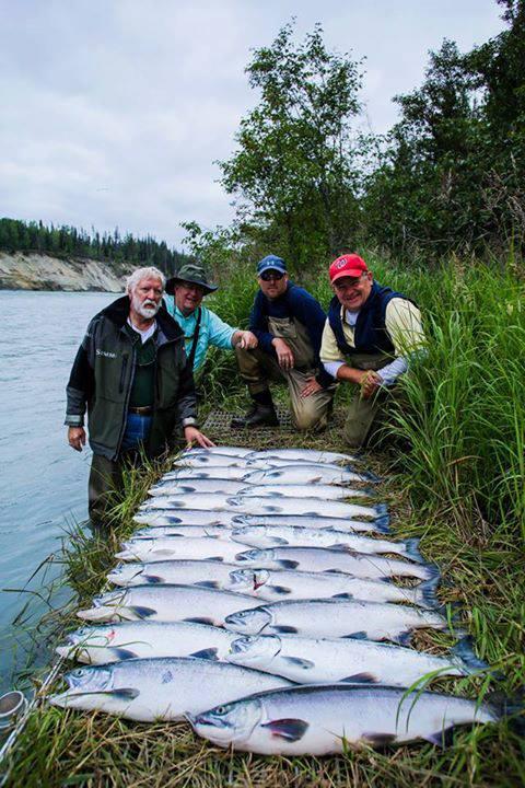 Kenai river cabin rentals waterfront lodging and fishing for Kenai river fishing